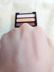 クレヨンタッチミー 3色アイシャドウ(ショコラピンク)の発色