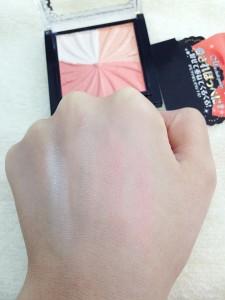 スペシャルミックスチークパウダー(キュートカラー)の発色