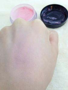 AT ミネラルチークパウダー 01 ベビーピンクの発色