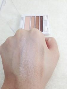 AC4カラーグラデーションアイズ 01 GBゴールデンブラウンの発色
