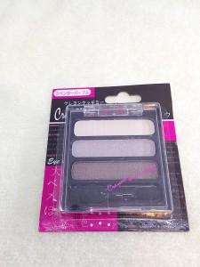 クレヨンタッチミー3色アイシャドウ(ラベンダーパープル)の商品パッケージ