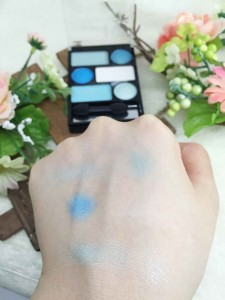 ジュエルアイカラーの発色 ブルー系