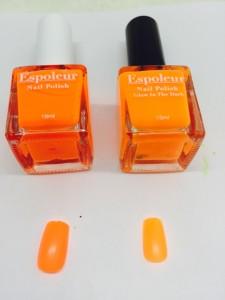 ネオンカラーのオレンジと比較